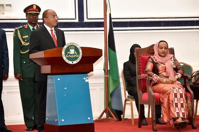 Dk. Hussein Mwinyi  azindua  Baraza la Kumi la Wawakilishi